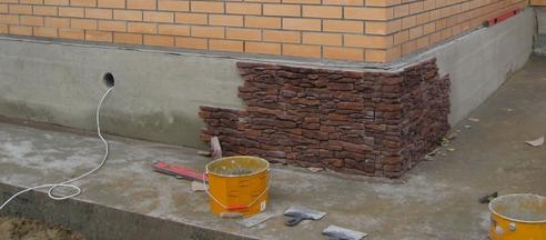 Как декорировать фундамент дома своими руками